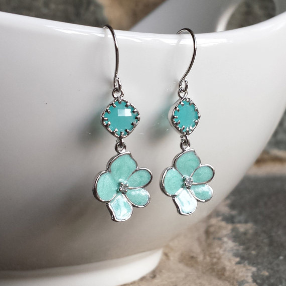 Mariage - Drop Earrings, Dangle Earrings, Bridesmaid Earrings,Wedding jewelry, Emerald, Green, Silver Orchid Flower, Jewelry Gift, Turquoise, Blue