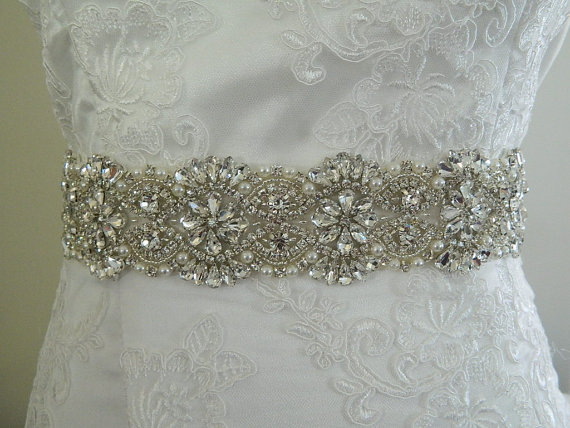 "Свадьба - Wedding Sash-Crystals Sash-Wedding Crystal Sash-18"" inches Crystal sash-Ivory Satin Sash"