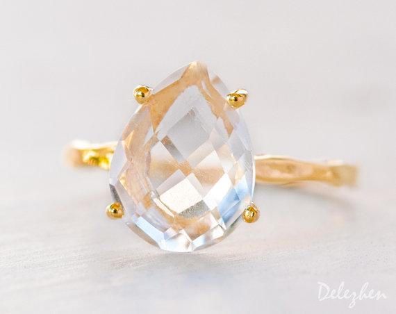 Свадьба - Clear Quartz Ring - Engagement Ring - Gemstone Ring - Stacking Ring -Yellow Gold Ring - Tear Drop Ring - Prong Set Ring