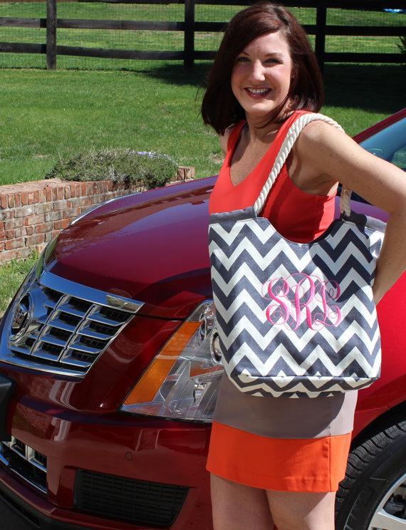 زفاف - Gray, Black, Red or Royal Chevron Tote Bag With Rope Handles/ Bridesmaid/Girlfriend/Gift Idea!
