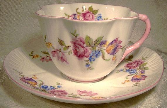 زفاف - Vintage SHELLEY China Rose Bouquet Fluted CUP and SAUCER