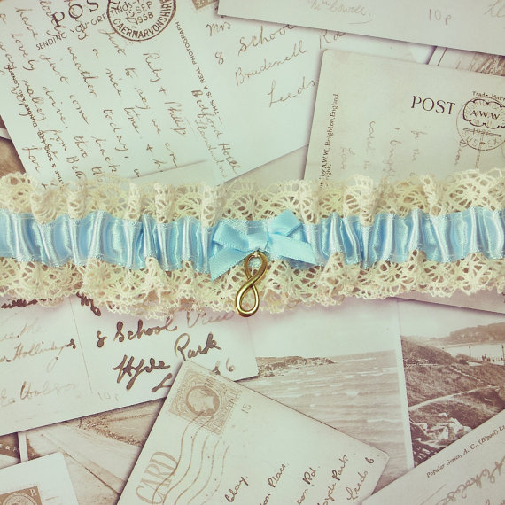 Свадьба - Vintage Garter - wedding garter, bridal garter, lace garter, blue garter, something blue, garter, keepsake, heirloom, lingerie
