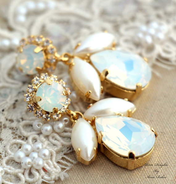 Mariage - White Opal and Faux Pearls Swarovski Chandelier White and Gold bridal earrings, rhinestone jewelry- 14k Gold plated gold Wedding jewelry.