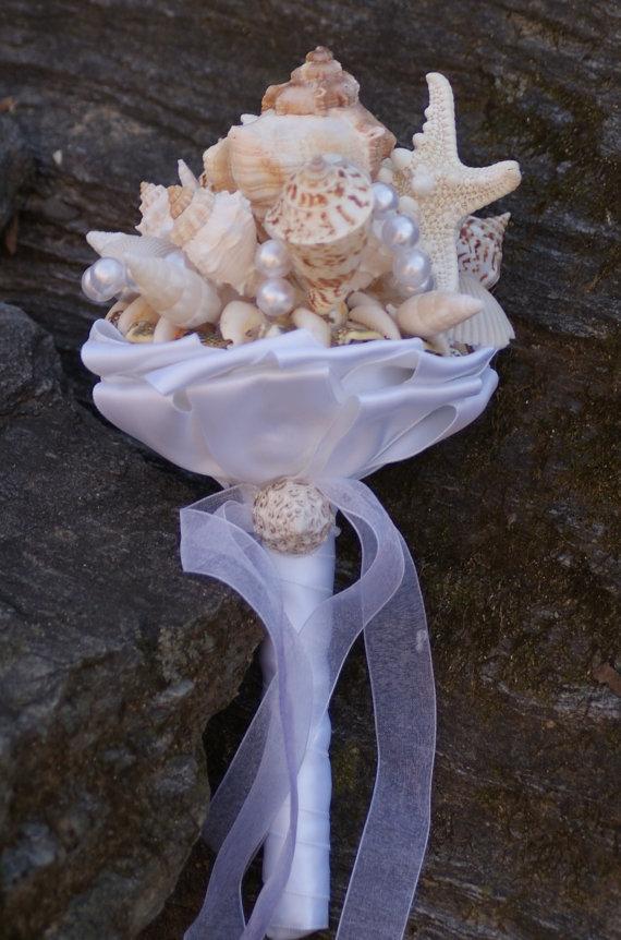 Mariage - Jr. Bridesmaid Seashell Bouquet / Beach Bouquet