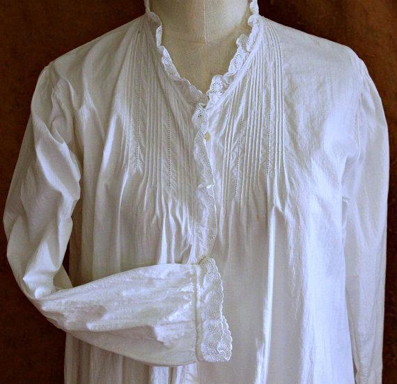 زفاف - Antique Edwardian White Cotton Nightgown, Womens Vintage Lingerie, full length, button front w. tucks, eyelet embroidered trim