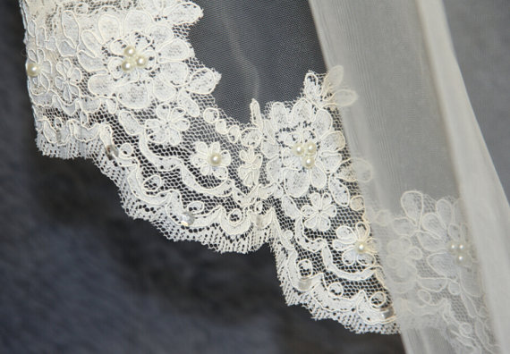 Mariage - Wedding Veil, Bridal Veil, cathedral veil, Alencon Lace veil 3 meters veil, white veil, ivory veil, hand-beaded veil pearl sequins veil veil