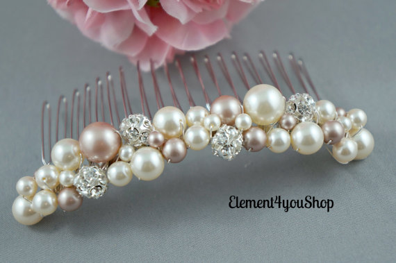 Mariage - Bridal hair comb, Ivory champagne mix pearls, rhinestone balls, Beaded cluster pearl comb, Wedding headpiece, Veil attachment, Bridal comb.