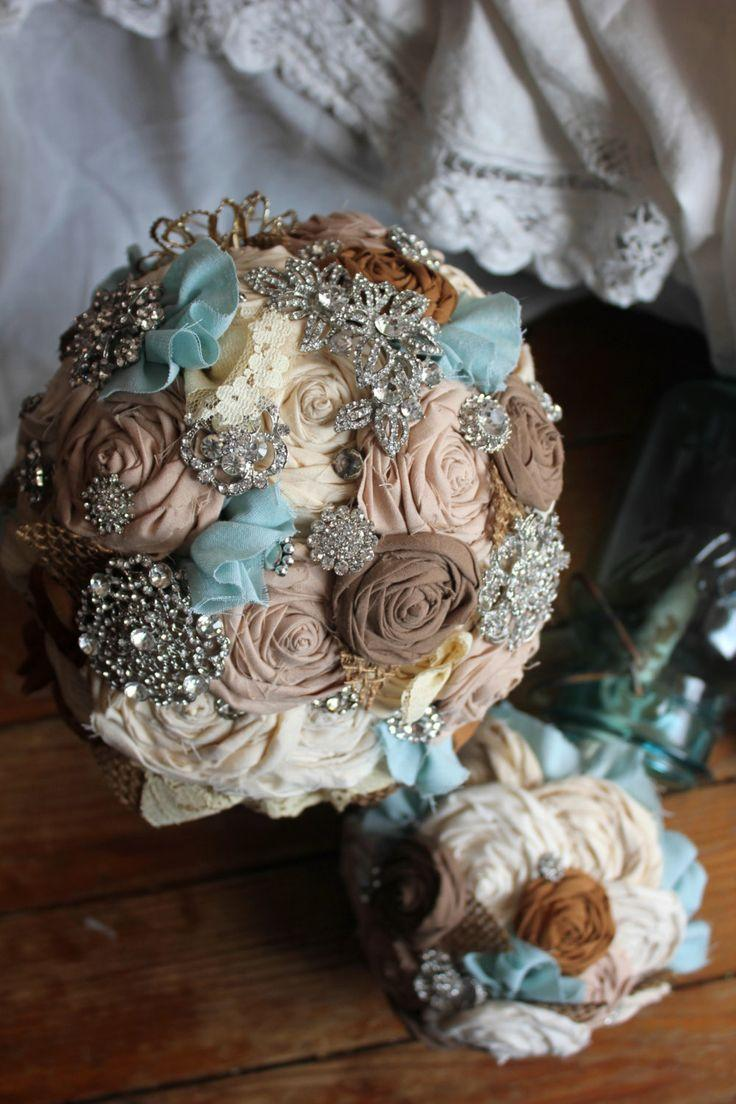Bridal Bouquet Throwing : Brooch burlap bouquet something blue vintage country