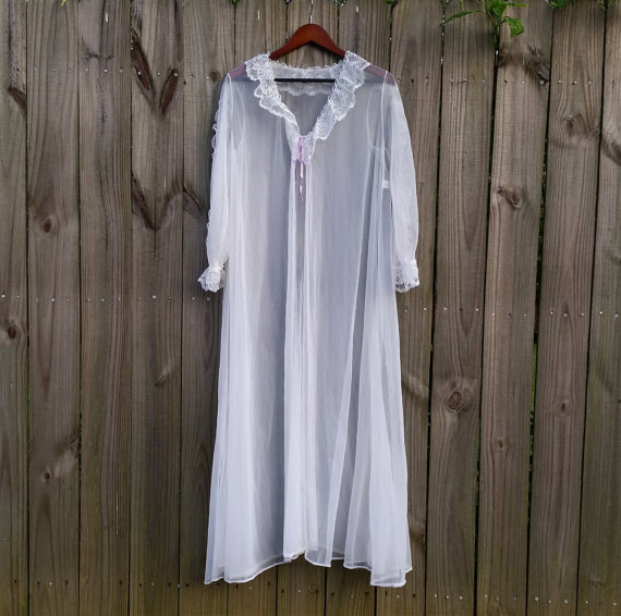 Mariage - M Medium Super Sexy Vintage Sheer White Chiffon Peignoir Pin Up Hollywood Starlet Robe Valentine's Day Lingerie Bathrobe