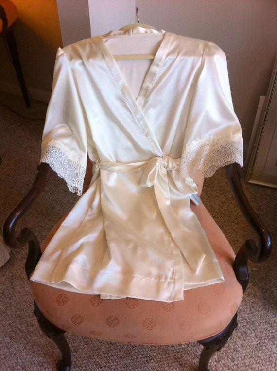 زفاف - The Sofia Brides or bridesmaid dressing robes, satin with Belgium inspired lace trim, wedding robe, bridal lingerie