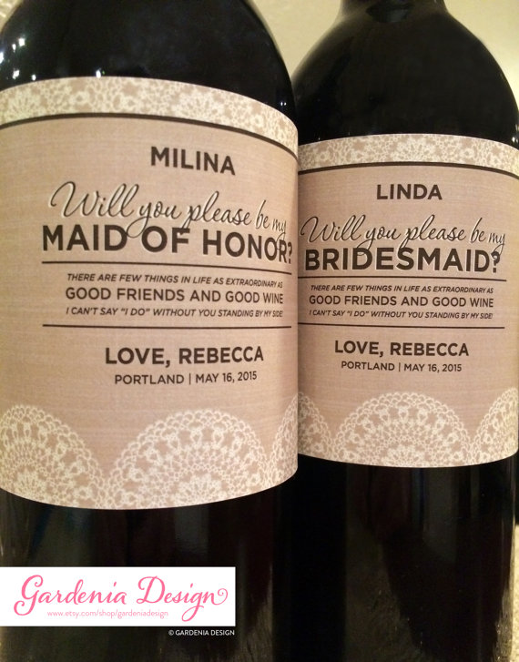 Свадьба - Burlap & Lace Bridesmaid Label - Will you be my Maid of Honor label - Ask Bridesmaid Gift - Custom Wedding Label - Rustic Wedding