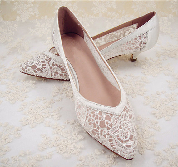 Свадьба - Wedding Shoes, Lace Bridal Shoes, Lace Wedding Shoes, Bridesmaid Shoes, Hollowed Lace Shoes, Floral Lace Bridal Shoes, Prom Shoes