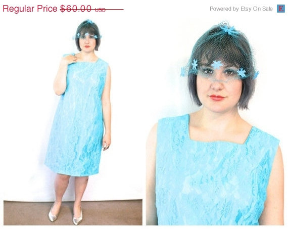 Свадьба - 15% OFF 60s Mod Plus Size Dress in Blue Lace  / Bridesmaid Mini Dress With Matching Veil / Size 18 XL Extra Large