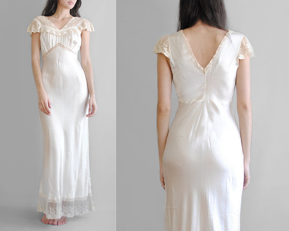 f6aff6e0a 30 s Silk Gown    1930 s Bias Cut Nightgown    Silk Charmeuse and Lace     Ivory Maxi    Bridal Lingerie    Peignoir    Silk Slip Dress