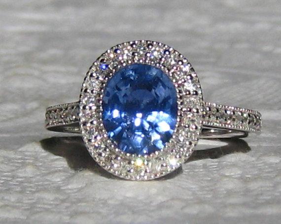 Mariage - Blue Sapphire Engagement Ring, 1.73 Carat Cornflower Blue Sapphire in White Gold Milgrain Bezel Diamond Halo Engagement Ring