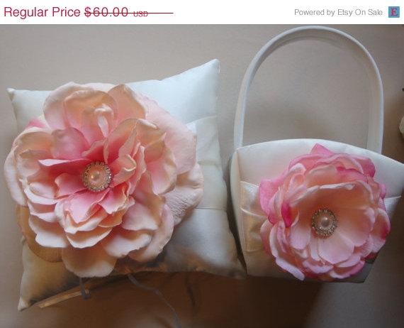 Свадьба - ON SALE Flower Girl Basket Ring Bearer Pillow Set - Pink Flower Girl Basket - Wedding Basket - Ring Bearer Pillow - Satin Flower Girl Basket