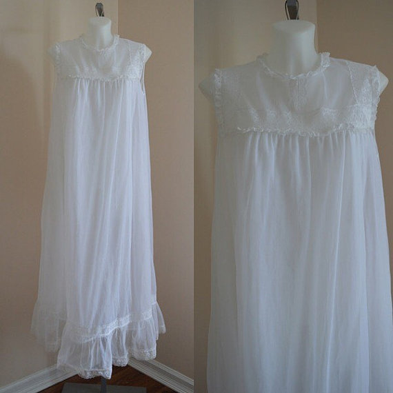 Hochzeit - Free Shipping, Vintage Nightgown, Vintage White Nightgown, Vintage White Chiffon Nightgown, Wedding, Chiffon Nightgown, 1960s Nightgown