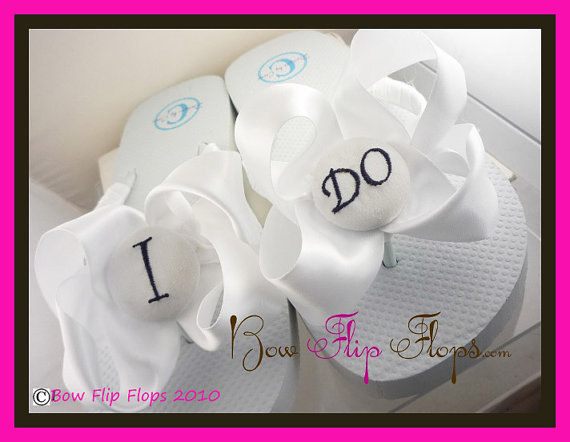 Mariage - Bridal Flip Flops Wedding Flip Flops Ivory Wedge White Ribbon Bow Satin I DO Bride Gift Sandals Platform Shoes monogrammed or rhinestone