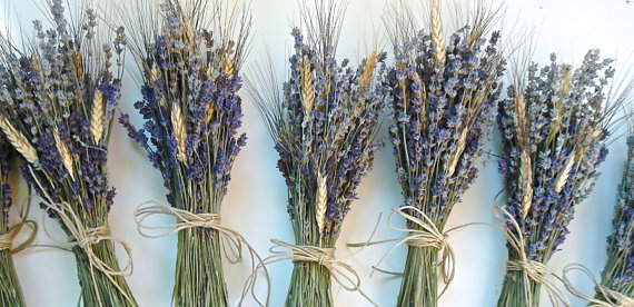 Свадьба - 8 Simple  Lavender and Wheat Bouquets for Bridesmaids Bouquets