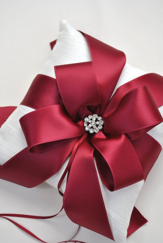 Diy Our Favorite Holiday Gift Wrapping Ideas 2324975 Weddbook