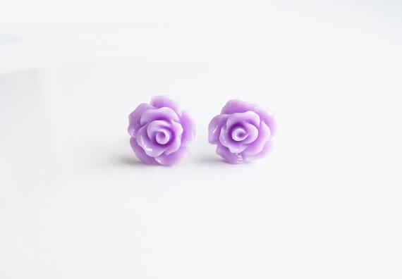 زفاف - Flower Cabochon Earring - Lilac Rose Post Earring - Mauve Floral Resin Jewelry - Bridal Jewelry - Bridesmaid Earrings - Antique Brass