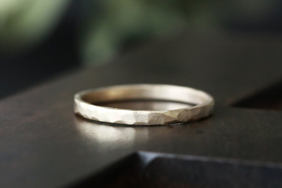 Mariage - 14k gold rustic carved band, 14k gold ring, wedding band, everyday ring, solid recycled 14k gold