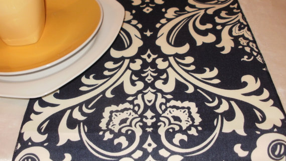 "Свадьба - X-LONG NAVY RUNNER white damask on navy blue 108"" table runner Wedding Bridal Osborne wedding bridal shower"