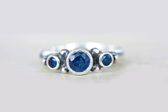 Mariage - Blue Sapphire Engagement Ring Triple Sapphire Ring Triple Natural Sapphire Ring Sterling Silver Promise Ring September Birthstone