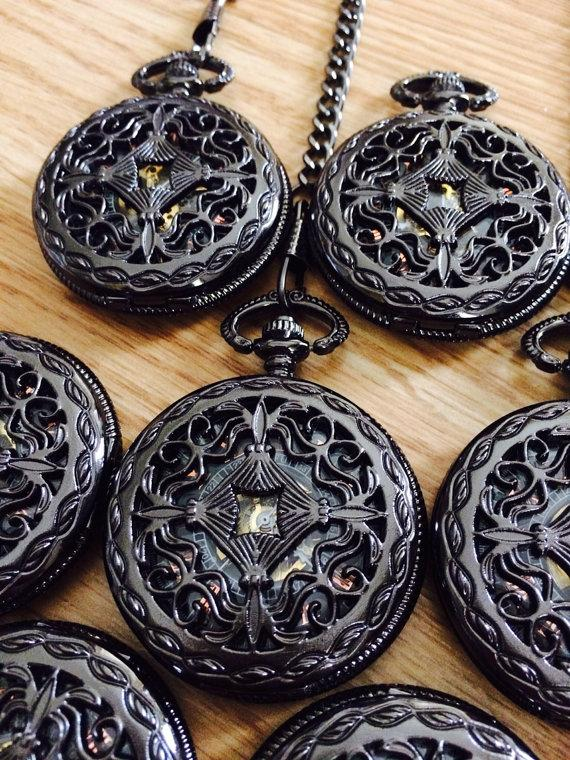 Свадьба - Set of 4 Personalized Engravable Mechanical Pocket Watch with Chain Gunmetal Black Celtic Knot Groomsmen Gift  Ships from Canada