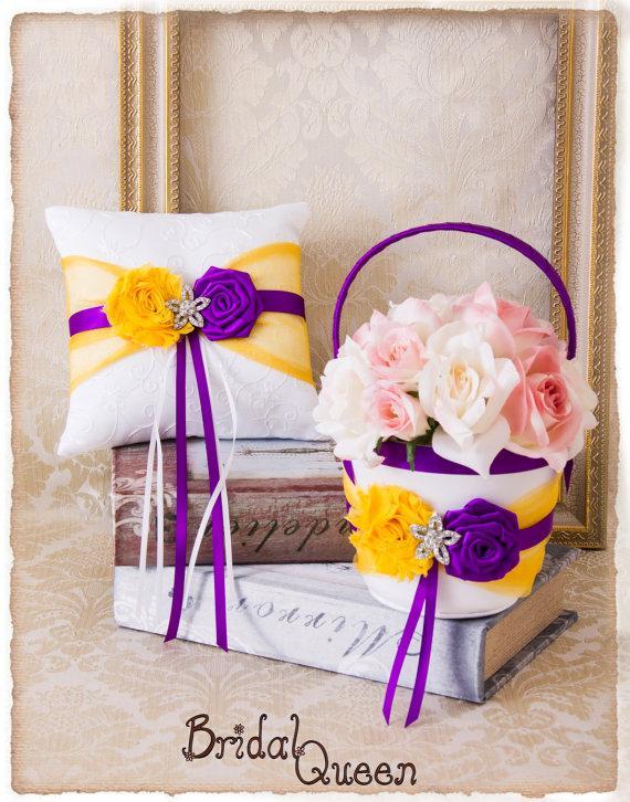 Свадьба - Cadbury Purple and Yellow Flower Girl Basket, Wedding Ring Bearer Pillow, Wedding Ring Pillow, Purple Wedding Pillow, Flower Girl Basket