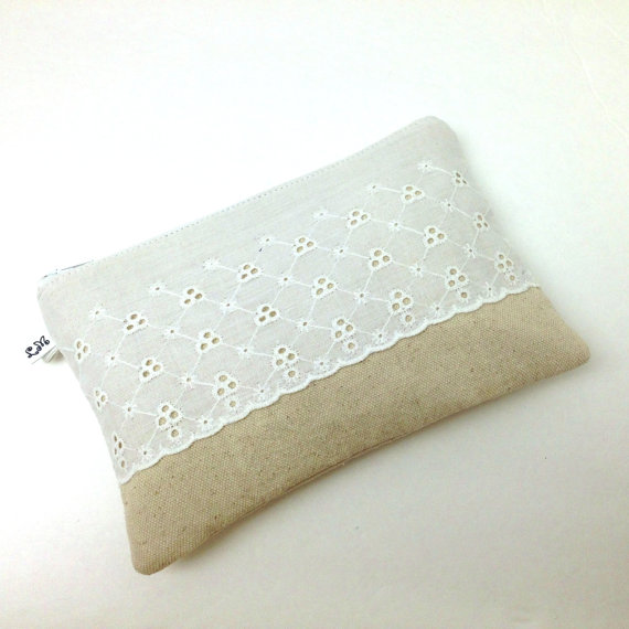 Свадьба - Wedding Bridesmaid Clutch White Scallop Eyelet Lace on Natural Cotton