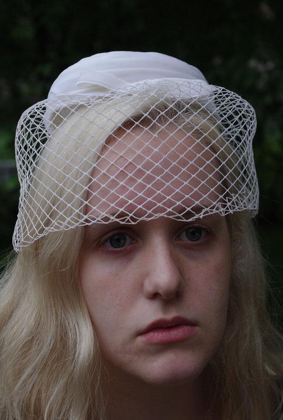 Accessories - Vintage White Pill Box Hat With Veil  2325719 - Weddbook 7e9aa370acc