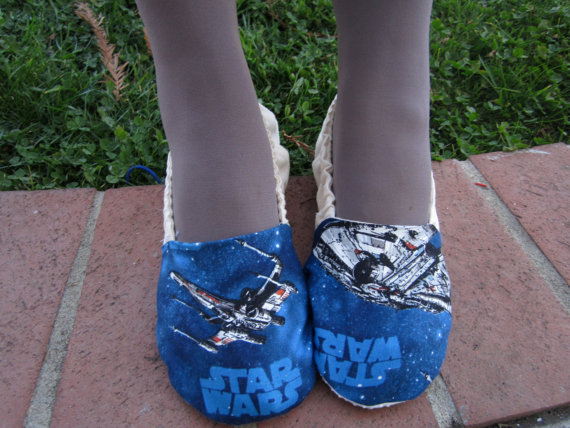 Свадьба - Womens slippers, Star wars, wedding shoes,x-wing millennium falcon,blue shoes, nerd wedding,house shoes, house slippers,
