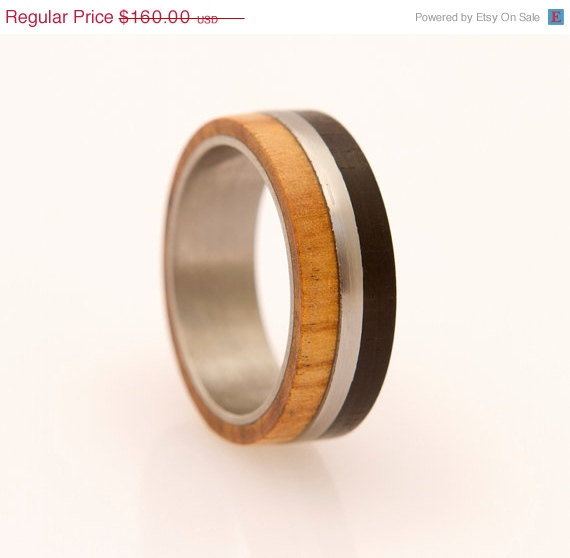زفاف - SUMMER SALE 5 % OFF titanium wood wedding band ring with ebony and olive wood