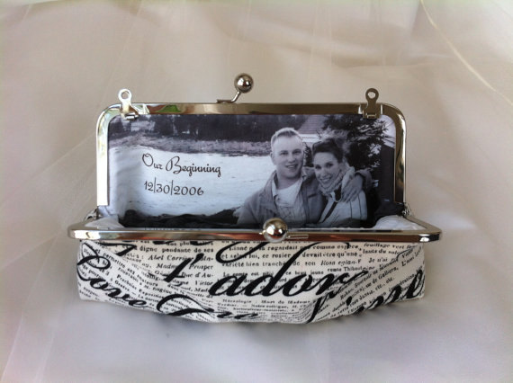 Свадьба - PHOTO LINING for your Wedding bridesmaid Clutch Personalized Custom