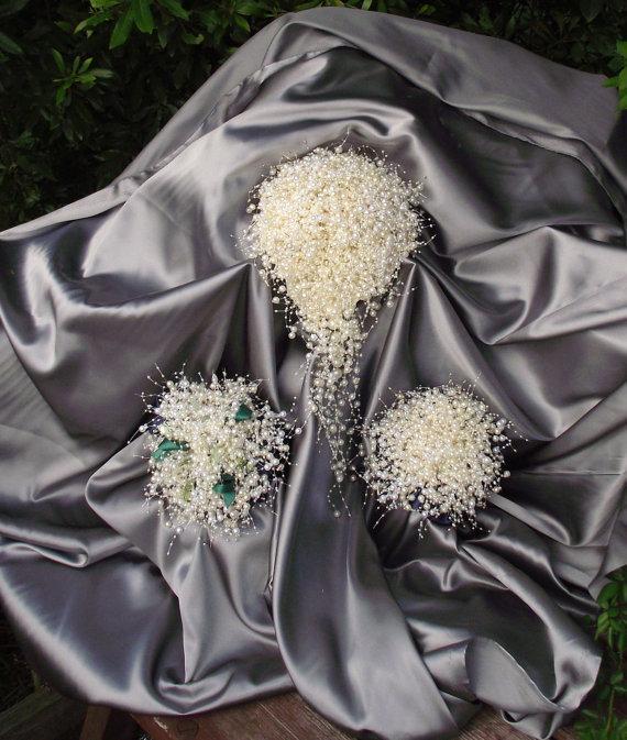 Свадьба - JOANNA BARTHOLOMEW listing: 9-12-15 wedding. bubble pearl cascade wedding bouquet, pearl wedding package, emerald green wedding bouquet