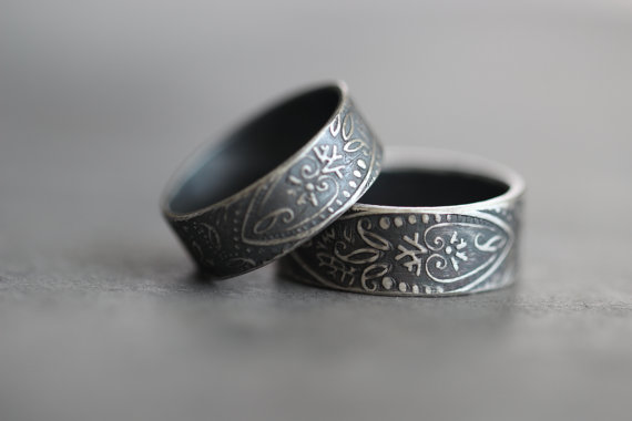 Свадьба - PAISLEY Wedding Band SET, His and Hers , Wide Band, Rustic, Promise, Engagement, Everyday Rings