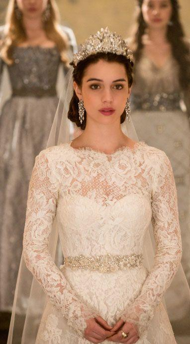 Accessories , Will Mary Be A Runaway Bride On Reign