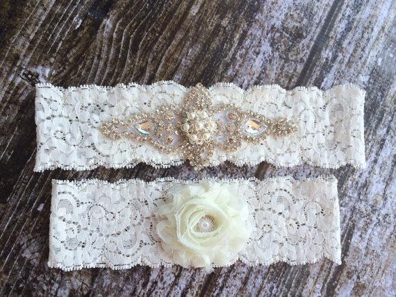 زفاف - Rhinestone and Pearl Garter Set / bridal garter/ lace garter / toss garter / vintage / Shabby Chic