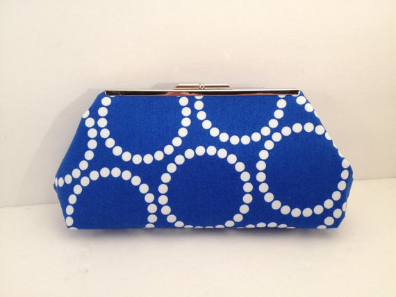 زفاف - Royal Blue with White Pearls look Print Clutch Purse with Silver Finish Snap Close Frame, Bridesmaid, Wedding, Royal Blue,