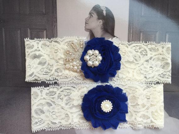 Свадьба - Wedding Garter Set Royal blue/Flowers/Pearls rhinestone Centering - Garter Set