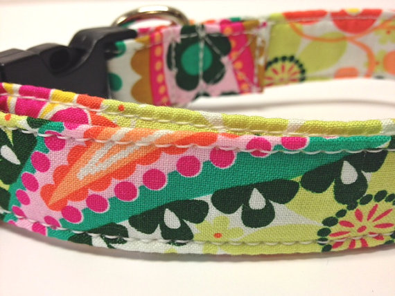 زفاف - Dog Collars With Curb Appeal - Botanical Design - Adjustable Dog Collar Available In Four Sizes - Fashionable Dog Collars