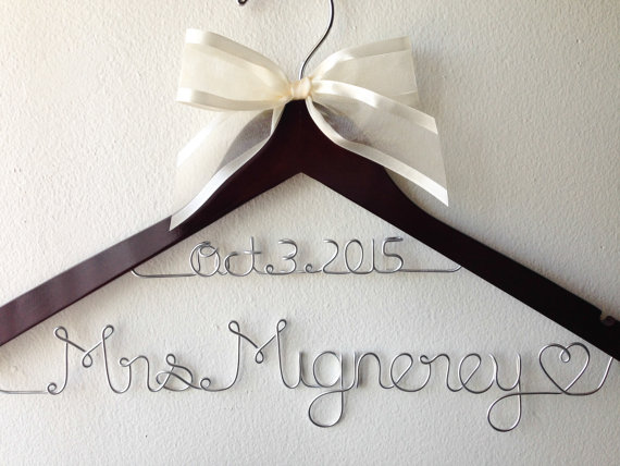 Hochzeit - Personalized Wedding Hanger With Date And Bow, Bridal Gift, Bridesmaid Gift, Flower Girl Gift