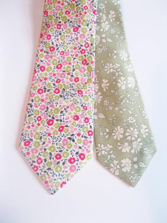 Wedding - Green Floral Men's tie, Liberty of London print tie, moss green tie, green men's tie. sage green tie, custom ties for groomsmen, liberty tie