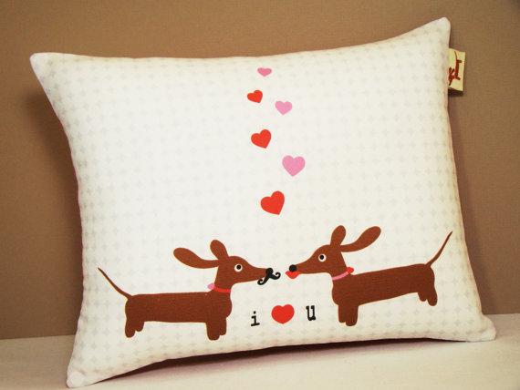Mariage - Wiener Dog Dachshund Pillow - Doxies in Love Wedding Anniversary Pillow