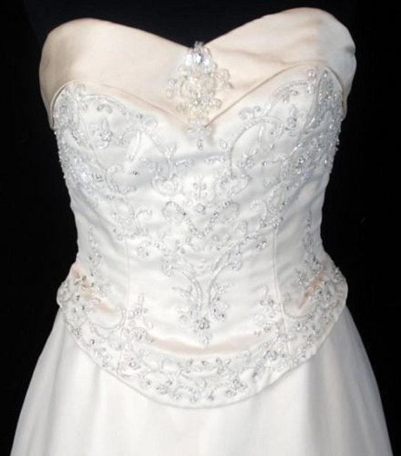زفاف - VINTAGE Beaded Champagne FLORAL Matte Satin & Organza VICTORIAN Gothic Strapless Basque Bodice Sweetheart Wedding Gown Dress Chapel Train 10