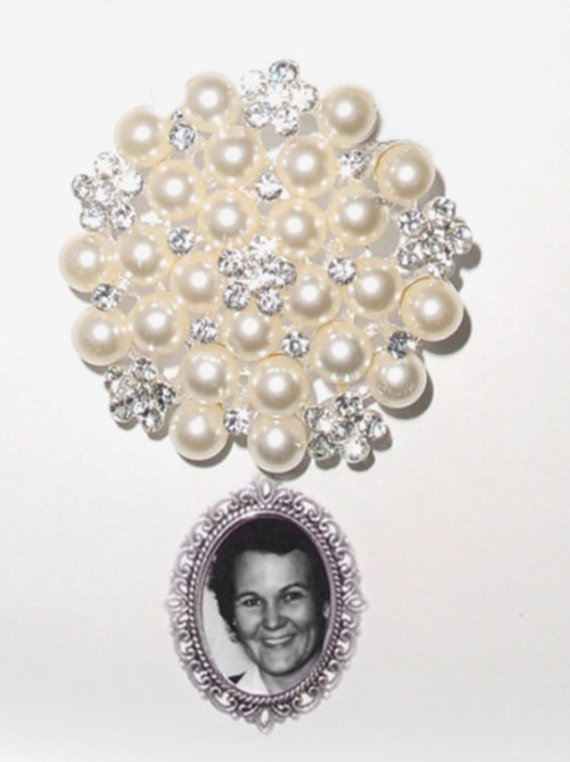 Mariage - Photo Bouquet Brooch Wedding Memorial Old Grace & Charm Off White Cream Pearls Crystal Gems - FREE SHIPPING