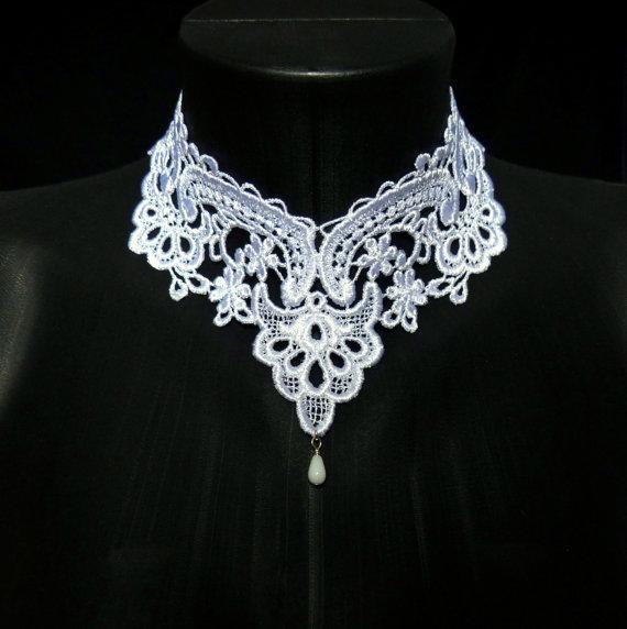 Свадьба - White Lace Choker Necklace - Romantic Victorian Collar - Elegant, Feminine, Bridal, Floral, Lingerie, Handmade