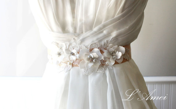 Свадьба - Beautiful Hand made Champagne Flower Wedding Sash Belt with Rhinestones and Faux Pearl Accents