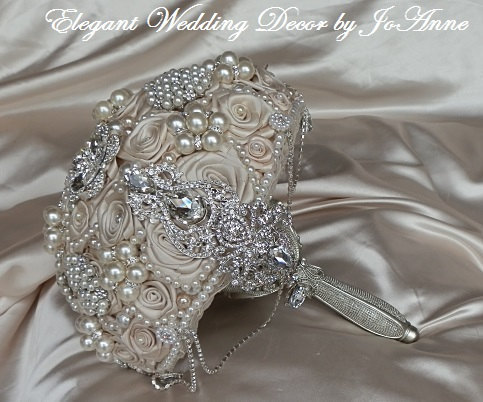 Mariage - CHAMPAGNE BROOCH BOUQUET - Deposit  for a Custom Brooch Bouquet, Jeweled Wedding Bouquet, Champagne bouquet, full price 450